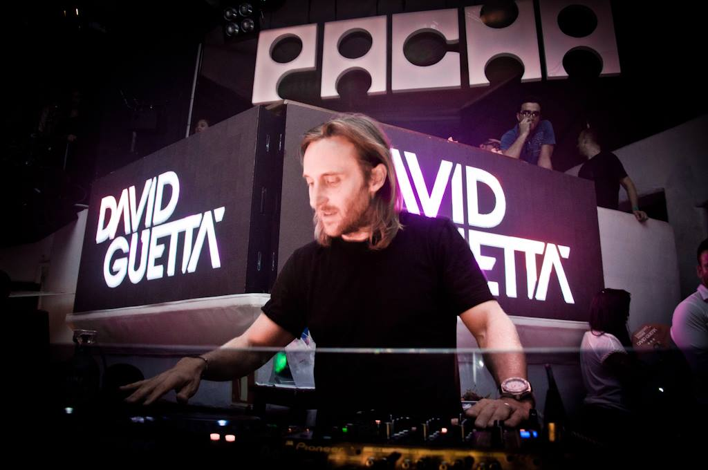 F me i 39 m famous pacha info dj listings and tickets ibiza spotlight - Table de mixage de david guetta ...