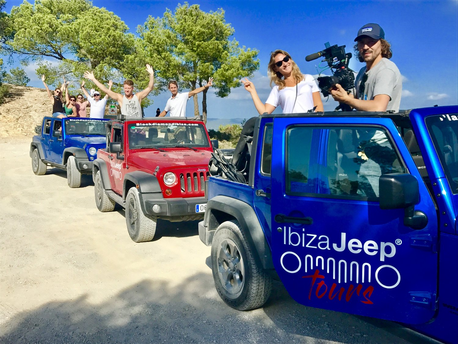 f5d1b49d46 Guided full-day tours where you can get behind the wheel of a stylish Jeep  Wrangler and see incredible beauty spots on Formentera.