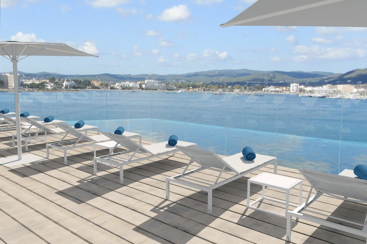 Hotels Near Ibiza Rocks