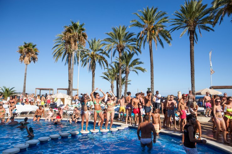 Party And Clubbers Will Be Pleased To Hear That The Por Jet Ibiza Apartments Are Now Taking Bookings For 2017 These Well Equipped Playa D En