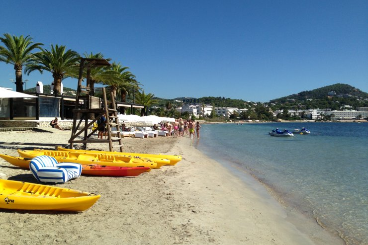 Talamanca beach, one of the places you can get free activities