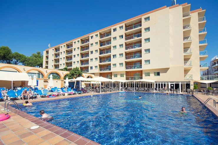 Great for families, the azuLine Hotel Atlantic Es Caná Ibiza
