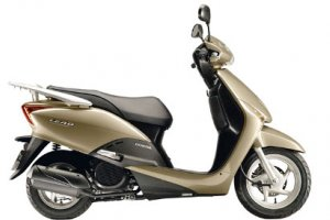 Autos Mari scooter & moped hire