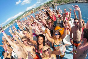 Float Your Boat - Carl Cox Boat Party line-up announcement