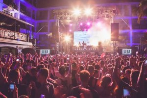 Review:  W.A.R. at Ibiza Rocks Hotel, 3rd July