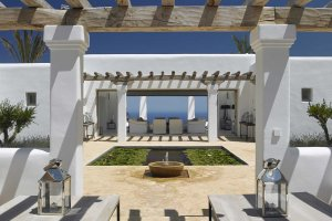 How to choose a luxury villa on Ibiza