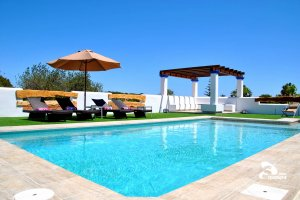 Great Ibiza 2017 Easter hotels and villa deals