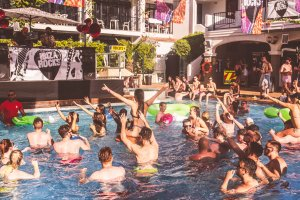 Rock music returns with Ibiza Rocks opening