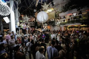 Es Paradis announces opening party