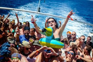 Early-bird tickets and new sailing from Cirque De La Nuit
