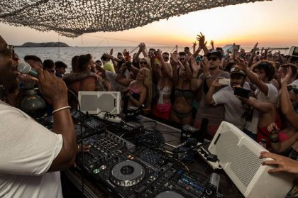 Review: Carl Cox Float Your Boat + Space, August 4th 2015
