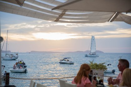 Review: Relaxing in Mint Lounge - San Antonio, Ibiza