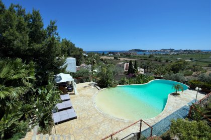How to choose a villa on Ibiza