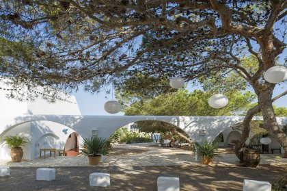 Pop-up yoga at Hostal La Torre
