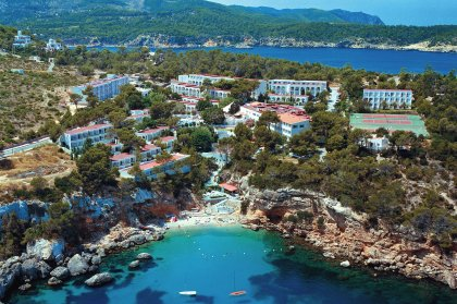 Ibiza Virgins' Guide: where to stay in Ibiza?