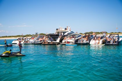 Review: The life aquatic with Smart Charter