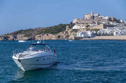 Life on the waves with Boats Ibiza
