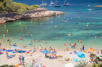Cala Gracio and Cala Gracioneta: away from it all