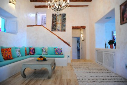 Stylish luxury at this  sea view Villa in the Morna Valley (Ref. 074)