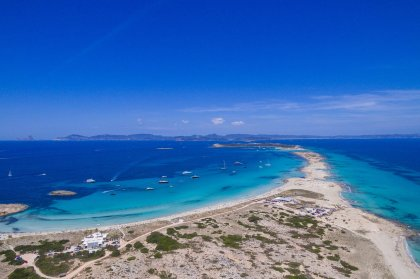 Three reasons to spend the day on the Formentera Explorer