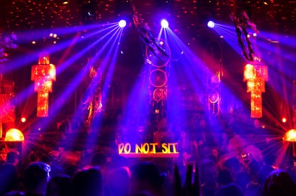 Do Not Sit goes to HEART Ibiza