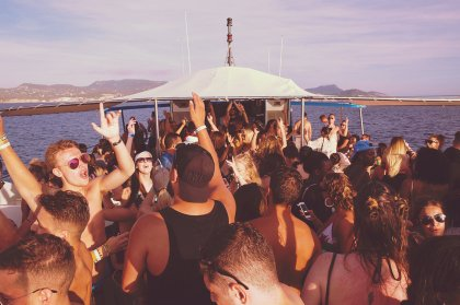 REVERB boat party sails into the sunset
