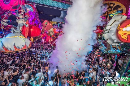 elrow kicks off the season at Amnesia