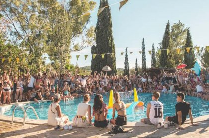Jillionaire lands at the Ibiza Pool Party in Benimussa Park