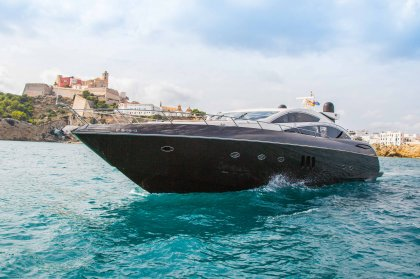 How to charter a boat on Ibiza
