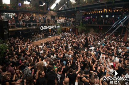 Video: Backstage at Amnesia with ABODE and Do Not Sleep