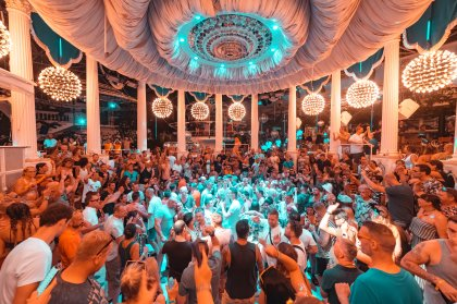 Es Paradis delivers opening party extravaganza