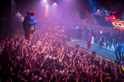 Sizzling opening night for J Balvin