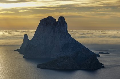 Es Vedrà: why go, the myths and where to see it