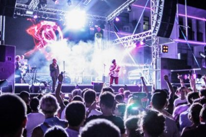 Review: Ibiza Rocks with Happy Mondays + Reverend & The Makers