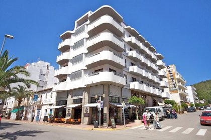 Ibiza winter hotels - Parot Quality Apartments, Santa Eulalia