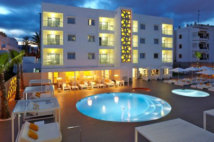 HOTEL of the week | Ibiza Sun Apartments, Playa d'en Bossa