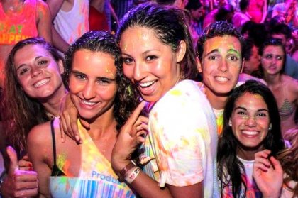 Review: Glow Paint Party at Es Paradis