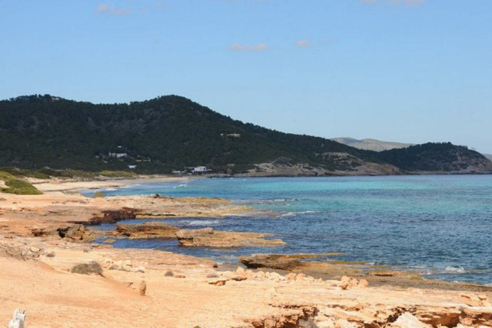 Ibiza S Coastline Is Home To A Stunning Mulude Of Beaches And Coves One For Every Day The Year Allegedly Amongst Them Are Wild Ones Sandy