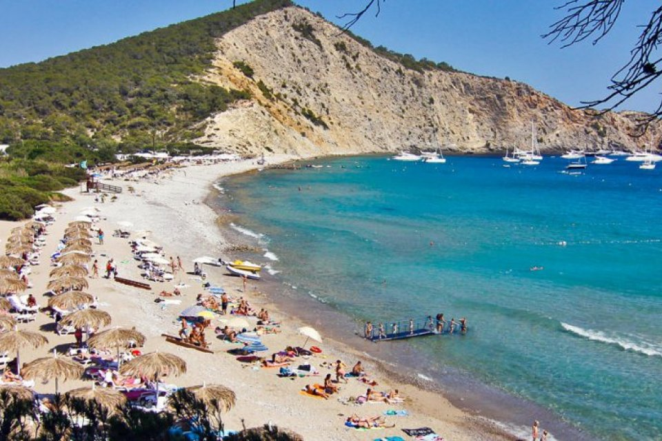 Tourists Visit Ibiza Every Summer And Most Of Them Take A Dip In The Sea Authorities Have To Be Very Careful That Cleanliness Waters