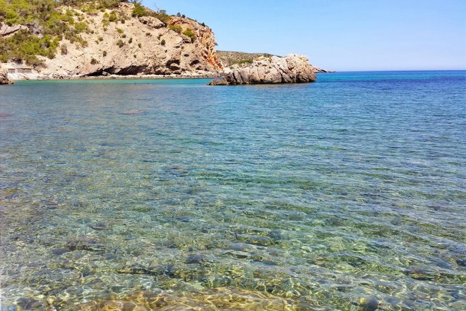 Cala Xarraca - clear waters
