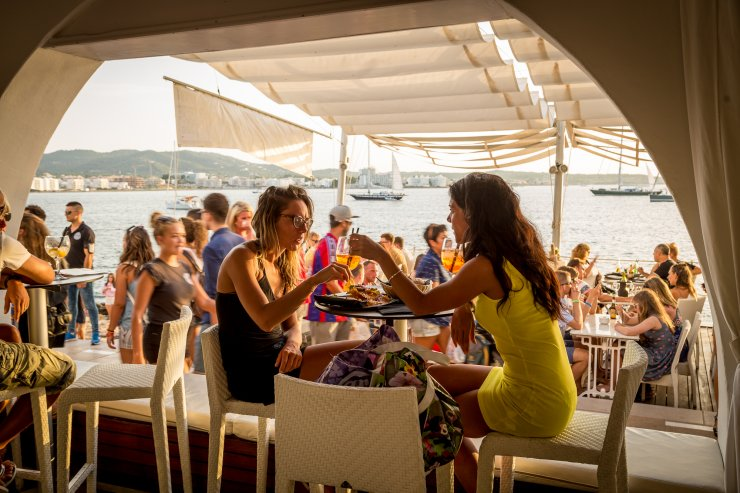 Review Savannah Ibiza The Famous Sunset Strip Resident