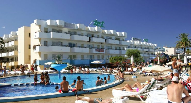 Ibiza hotel of the week jet complex playa d 39 en bossa for Hotels ibiza