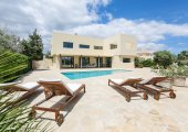 Ibiza villas for a clubbing holiday